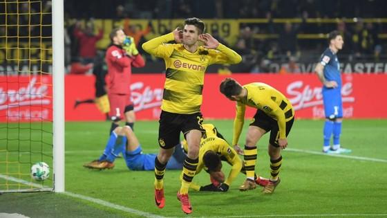 Christian Pulisic (Dortmund) ăn mừng bàn thắng. Ảnh: Getty Images.