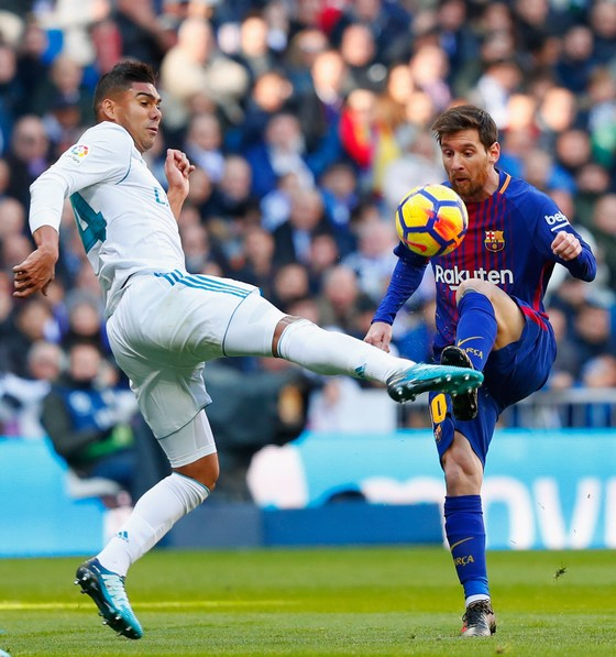 Thua El Clasico, Real Madrid vẫn từ chối bỏ cuộc ảnh 2
