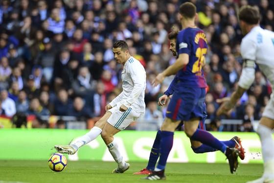 Thua El Clasico, Real Madrid vẫn từ chối bỏ cuộc ảnh 3