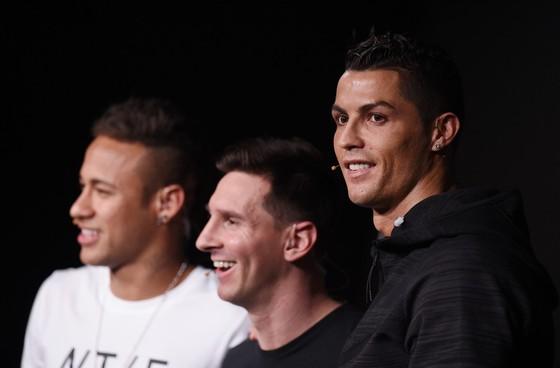 Neymar rời Barca để thoát khỏi cái bóng của Messi ảnh 2