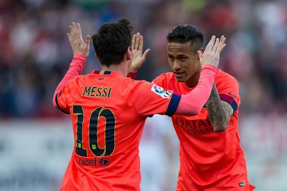 Neymar rời Barca để thoát khỏi cái bóng của Messi ảnh 1