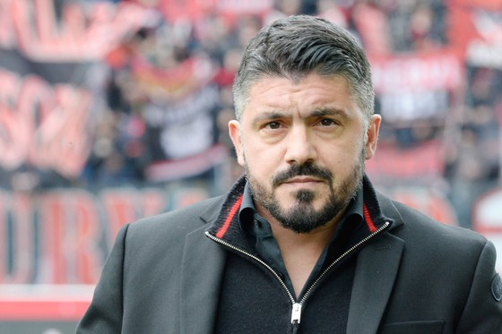 Hạ gục Roma, AC Milan làm Arsenal lo lắng ảnh 1