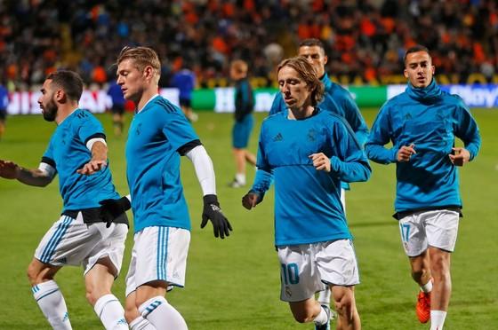 Luka Modric và Toni Kroos đã tập cùng đội vào thứ Hai.
