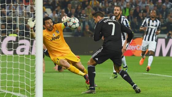 """Khi Buffon cho Real Madrid """"uống nước đường"""" ảnh 1"""