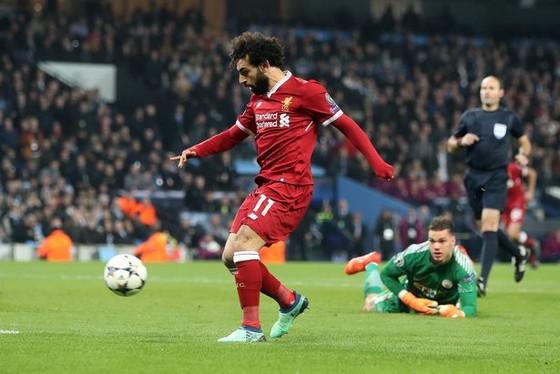 Pha ghi bàn của Mo Salah vào lưới Manchester City.