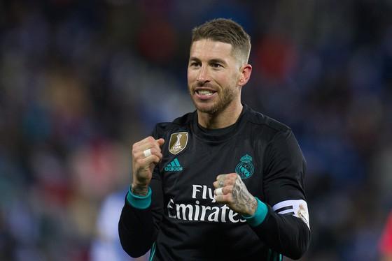 Sergio Ramos may mắn thoiát án treo giò của UEFA để được chơi trận lượt đi ở Munich