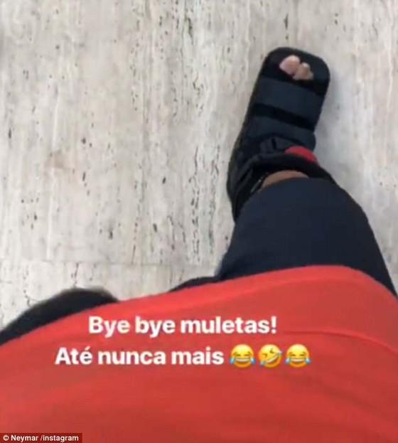 Bác sĩ Selecao: Neymar đã bỏ nạng và sẽ hồi phục tốt trước World Cup ảnh 1
