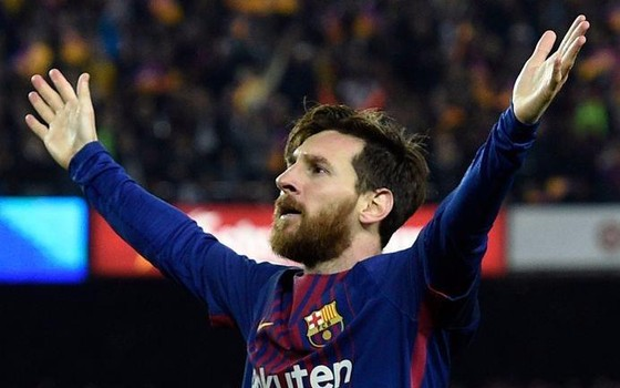 Lionel Messi bỏ xa Mo Salah trong cuộc đua Giày vàng châu Âu