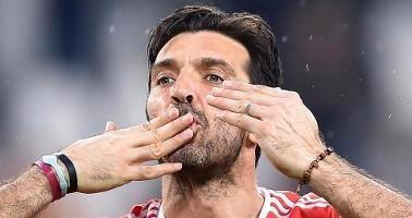 Gigi Buffon quye761t định kết thúc hành trình của mình ở Italia.