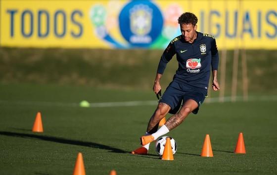 Brazil lo lắng khi Neymar không đủ 100% thể trạng – vẫn còn sợ khi đi bóng ảnh 1