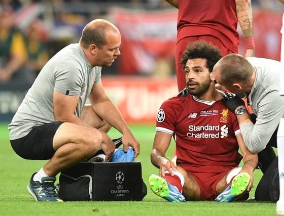 Dù phải nghỉ 4 tuần, Salah không oán trách Ramos ảnh 1