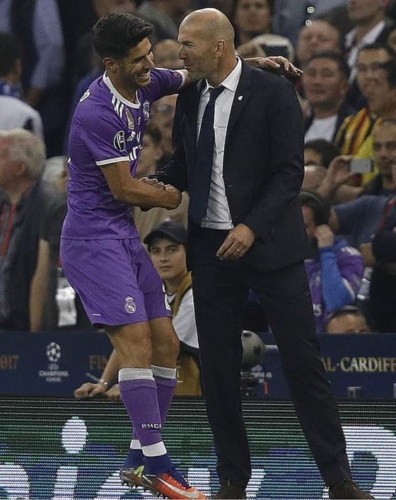 Sốc khi Zidane tuyên bố chia tay Real Madrid ảnh 11