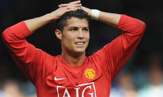 Sốc khi Ronaldo đòi nâng lương 75 triệu Euro/năm để ở lại Real Madrid ảnh 2