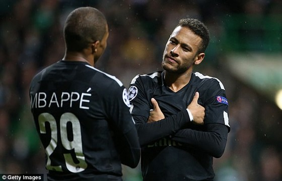 Ibraz tin rằng, Neymar (phải) sẽ nhường bước cho Mbappe.