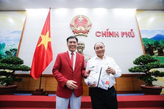 Thủ tướng Nguyễn Xuân Phúc chúc mừng đoàn thể thao SEA Games của Việt Nam ảnh 2