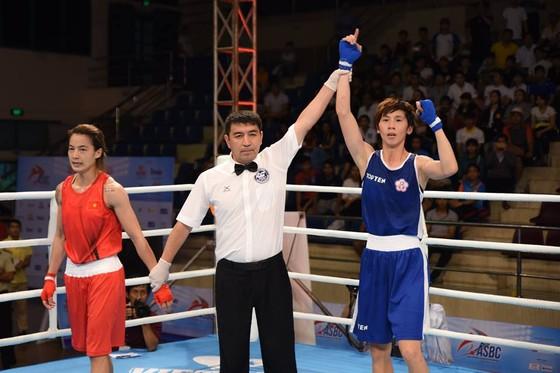 Lê Thị Bằng (đỏ) đã nỗ lực nhưng thua ở chung kết. Nguồn: ASBC