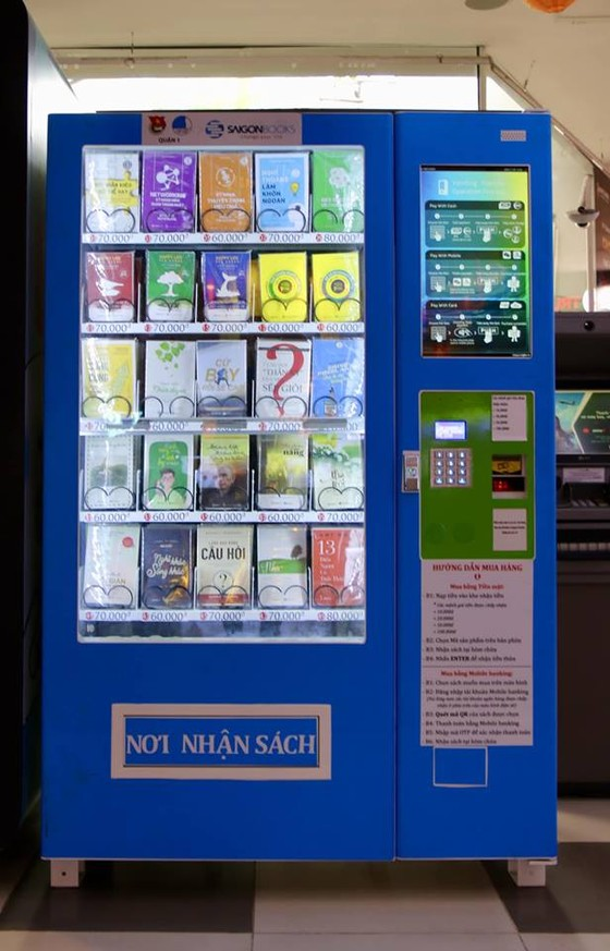 Khai trương máy bán sách tự động đầu tiên tại TPHCM  ảnh 2