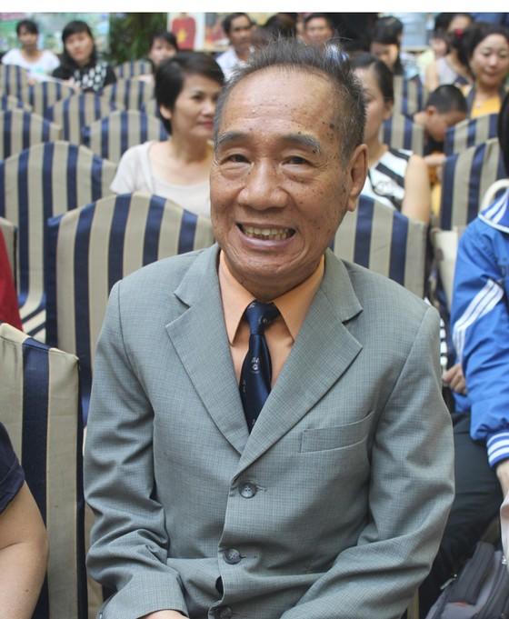 """Nhà giáo Nguyễn Ngọc Ký ra mắt tác phẩm """"Những tâm hồn dấu yêu""""  ảnh 1"""