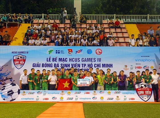 Giải bóng đá sinh viên TPHCM năm 2018: ĐH Tôn Đức Thắng vô địch ảnh 3