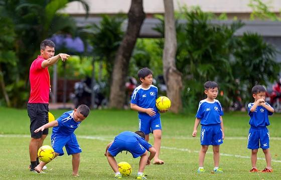 Công Vinh ra mắt học viện bóng đá cộng đồng CV9  ảnh 2