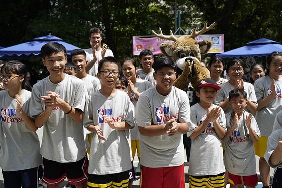 NBA tặng sân bóng rổ cho ĐH Y Dược TPHCM ảnh 2