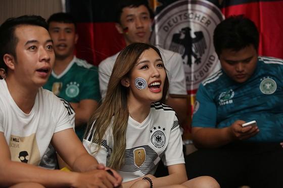 """CĐV tuyển Đức tại TPHCM """"sốc"""" khi đội nhà bị loại khỏi World Cup ảnh 4"""