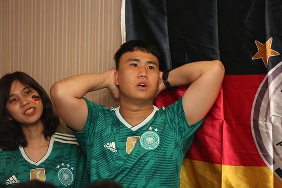 """CĐV tuyển Đức tại TPHCM """"sốc"""" khi đội nhà bị loại khỏi World Cup ảnh 3"""