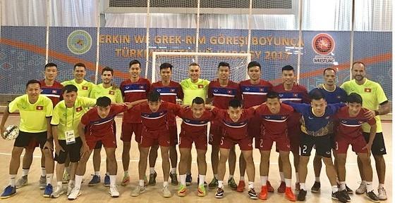 Đội tuyển futsal Việt Nam trước buổi tập đầu tiên