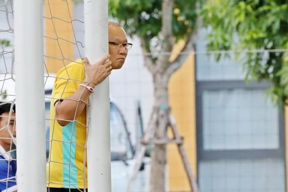 Khen Văn Lâm hết lời, HLV Park Hang-seo khiến Tiến Dũng buồn lòng   ảnh 1