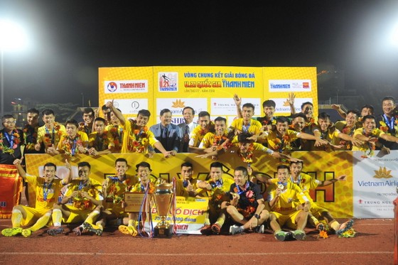 Đội U21 Hà Nội lần thứ 4 vô địch.. Ảnh: NGUYỄN NHÂN