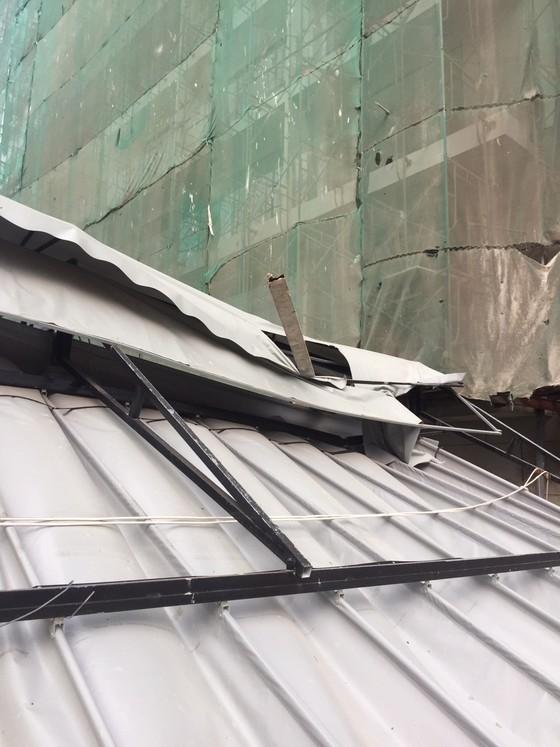 Công trình TMS Luxury Hotel Đà Nẵng thi công ẩu gây nguy hiểm cho người dân bên dưới ảnh 2