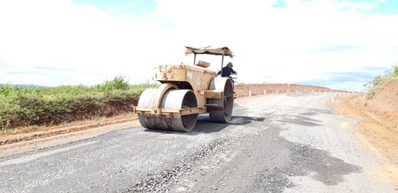 """Sửa chữa con đường gần trăm tỷ nát bét """"gây dư luận không tốt"""" ảnh 13"""