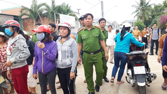 Vụ nổ súng ở UBND phường: Nghi phạm khống chế rồi bắn nạn nhân ảnh 2