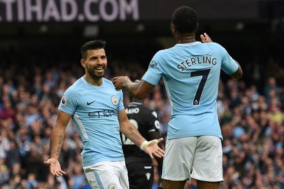 Aguero và Sterling hài lòng với chiến thắng của Man.City. Ảnh: Getty Images