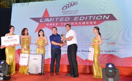 Golfer Nguyễn Ngọc Khôi nhận giải Best Gross. Ảnh GolfMaster
