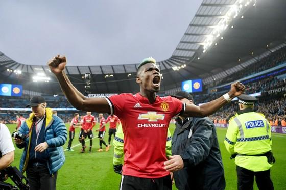 Pogba tỏa sáng rực rỡ giúp Man.United ngược dòng đánh bại Man.City. Ảnh: Squawka