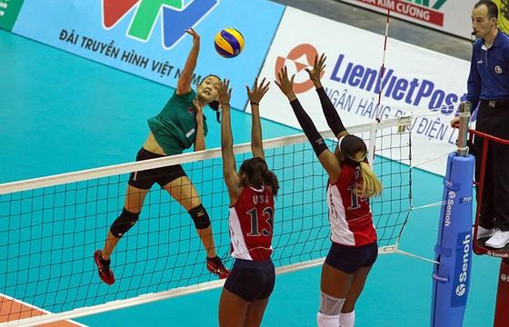 Bán kết Cúp bóng chuyền nữ quốc tế VTV9 Bình Điền 2018: Sự thăng hoa của cảm xúc! ảnh 2