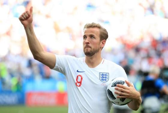 Tiền đạo Harry Kane xúc động trước lòng dũng cảm của bé Ben Williams.