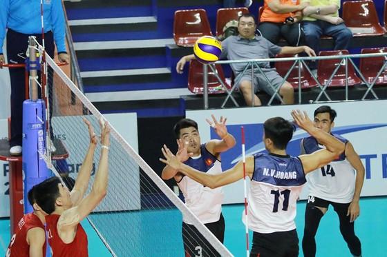 Bóng chuyền nam: Đánh bại Trung Quốc 3-2, tuyển Việt Nam gây sốc cả châu Á ảnh 1