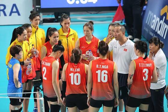 Bóng chuyền: Nữ Việt Nam thoải mái trước trận tứ kết gặp Thái Lan ảnh 1