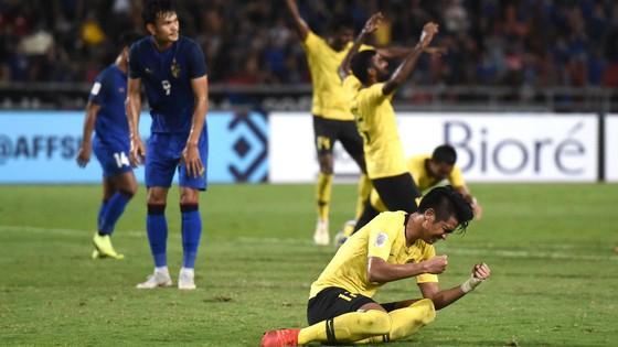 Irfan Zakaria tự trách mình sau bàn phản lưới nhà trong trận bán kết lượt về.