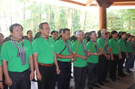 """Bắt đầu hành trình """"Làng Sen quê Bác - Sông Mã anh hùng"""" ảnh 1"""