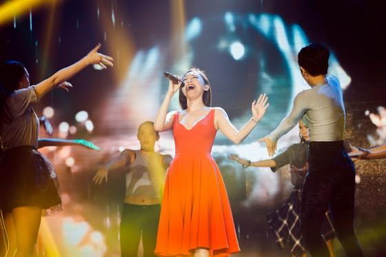 Ca sĩ Lam Trường và Noo Phước Thịnh lần đầu tiên kết hợp trên sân khấu Làn sóng xanh Next Step ảnh 5