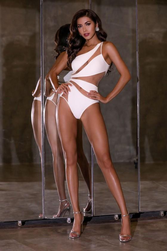 Minh Tú khoe vẻ cuốn hút với bikini trước thềm chung kết Miss Supranational  ảnh 2
