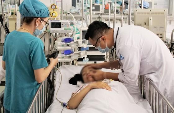 Giao lưu trực tuyến về việc điều chỉnh giá dịch vụ y tế ảnh 2