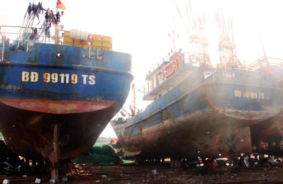 Vừa thay lại máy chính hãng, tàu cá vỏ thép chưa kịp đánh bắt lại hỏng máy  ảnh 1