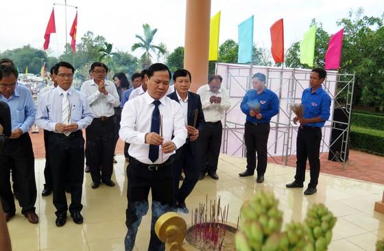 Dâng hương tưởng niệm các nạn nhân vụ thảm sát Bình An  ảnh 2