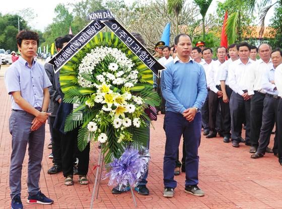 Dâng hương tưởng niệm các nạn nhân vụ thảm sát Bình An  ảnh 1