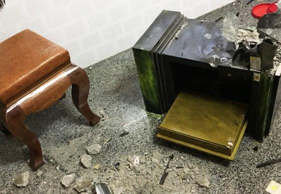 Nhà nữ giám đốc bị trộm đột nhập, phá két lấy đi 9 cây vàng ảnh 1