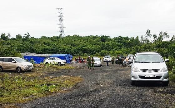 """Phú Yên: Phát hiện vụ đánh bạc cực lớn, bắt 95 """"con bạc"""", tạm giữ 30 ô tô ảnh 1"""